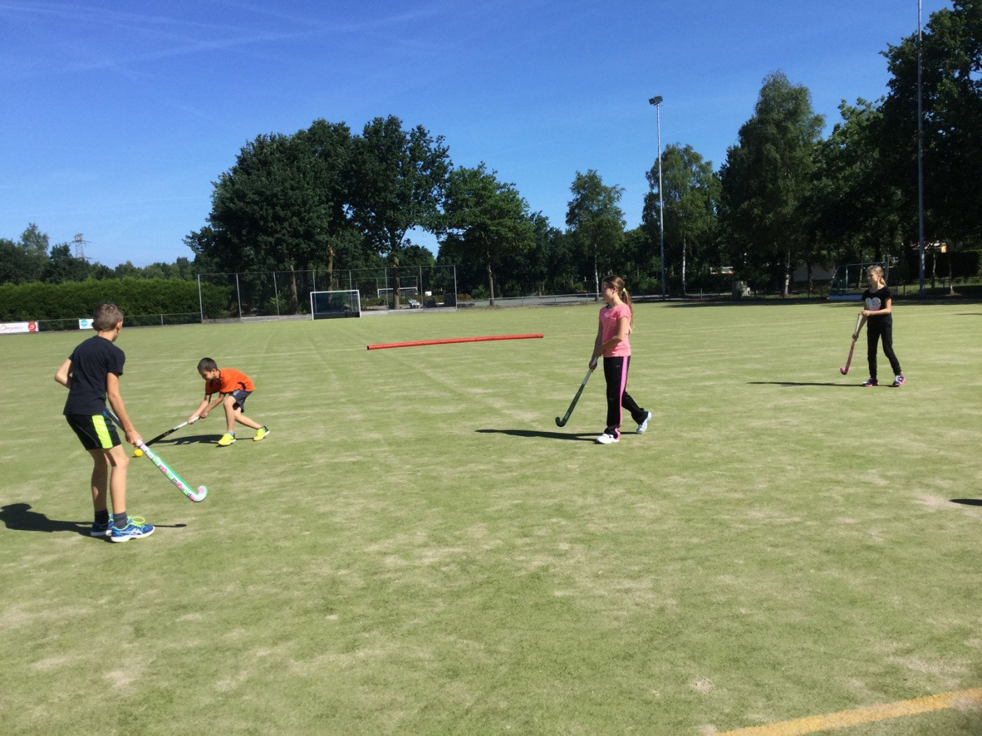 Hockey op de hockeyvelden in Maarheeze